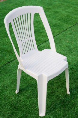 Пластмасов стол - бял