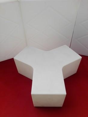LED Триъгълна маса